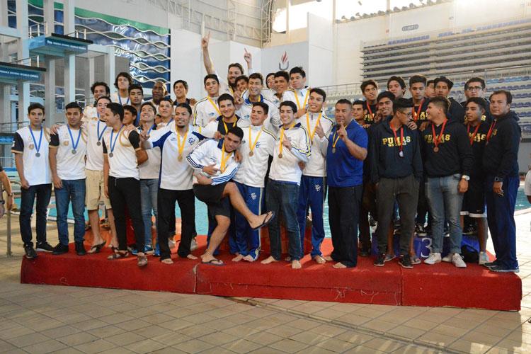 Recibe karate equipamiento para la Olimpiada Nacional