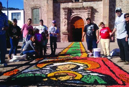 Temaca vive celebran a la virgen de los remedios ntr - Alfombras portico ...