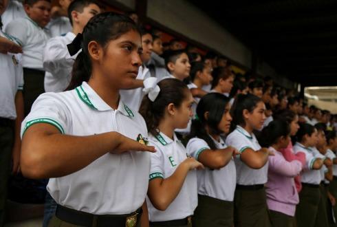 Iglesia Católica cuestiona criterios de educación sexual en libros de texto