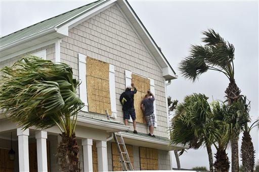 El huracán Matthew se acerca a Florida, donde recuperará fuerzas