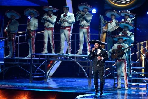 Presentador de los Grammys no sabía que Juan Gabriel murió