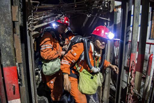 China: Explosión en mina de carbón mata a 17, hay atrapados