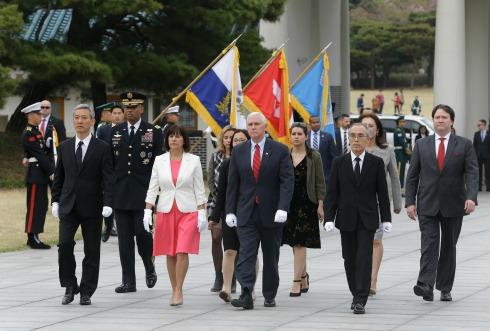 EU califica de 'provocación' el ensayo de misiles norcoreano