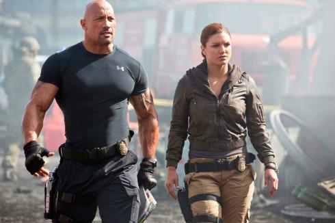 Universal planea filme derivado de quot;Fast Furiousquot; con quot;The Rockquot; y Statham