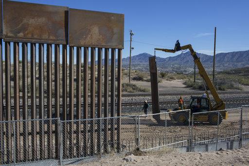 Ya tiene EU a los finalistas para diseñar muro
