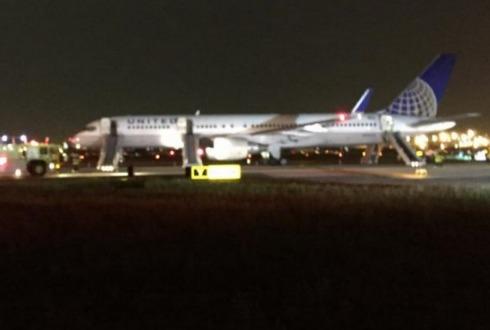 Cierra aeropuerto de Newark por incendio de avión