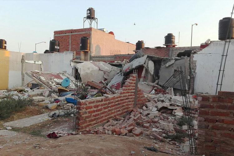 Explosión por fuga de gas en vivienda deja un muerto en Tepatitlán