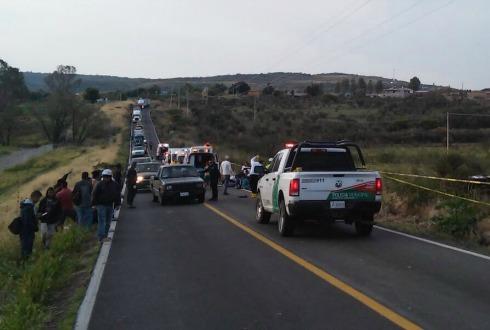 Mueren cuatro personas y 28 se lesionan por volcadura en Jesús María