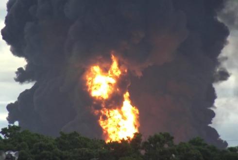 Deja 7 heridos incendio en refinería de Salina Cruz, Oaxaca