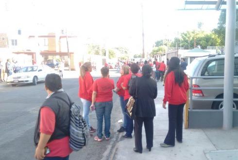 Trabajadores del DIF Zapopan exigen cumplimiento de compromisos laborales