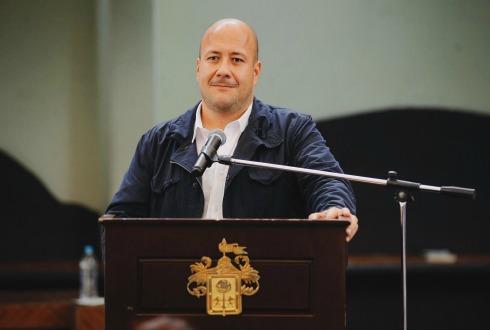Alfaro renuncia de manera voluntaria a Gobierno Abierto