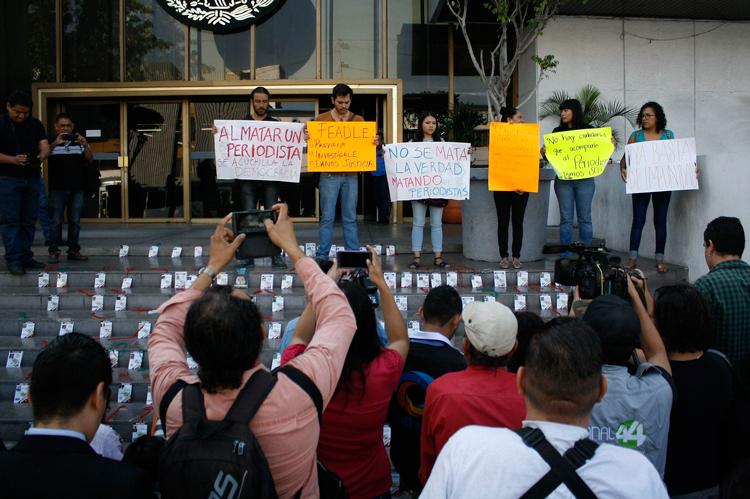 Gobierno, incapaz de atender alertas de muerte de periodistas: Campa