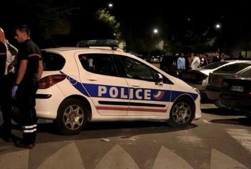 ¡Atención! Tiroteo frente a una mezquita en Francia