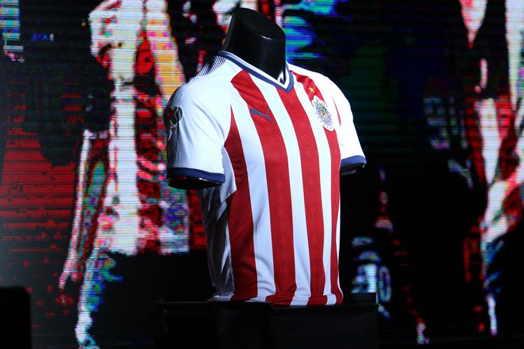 Chivas, Santos, Rayados y Gallos presentan sus nuevas
