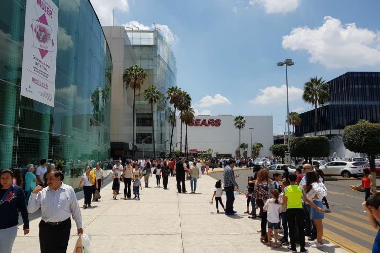 Desalojan Plaza Galerías por supuesto incendio, era fuga de gas
