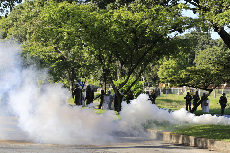 Asalto al cuartel venezolano deja un muerto y un herido