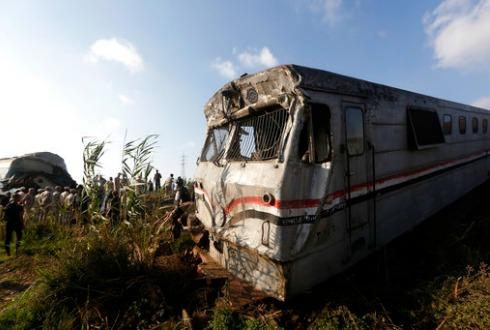 Choque de trenes en Egipto deja varios muertos y heridos