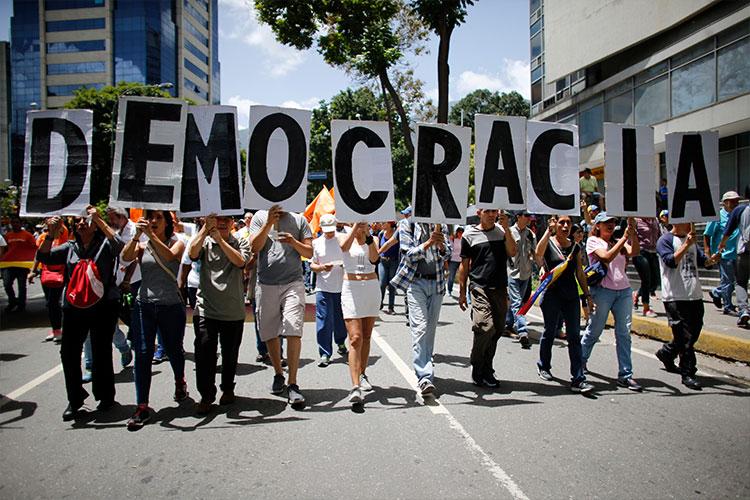 Constituyente venezolana indagará a opositores por protestas