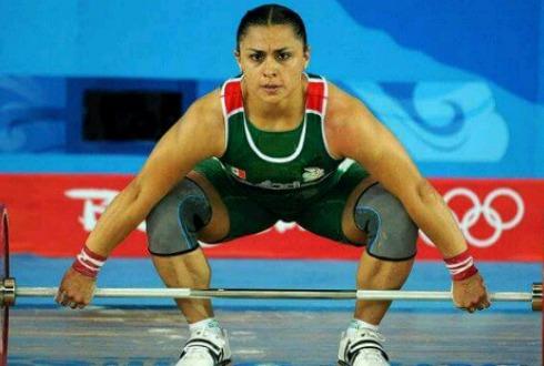 Oficializan medalla de bronce olímpica para Damaris Aguirre en pesas