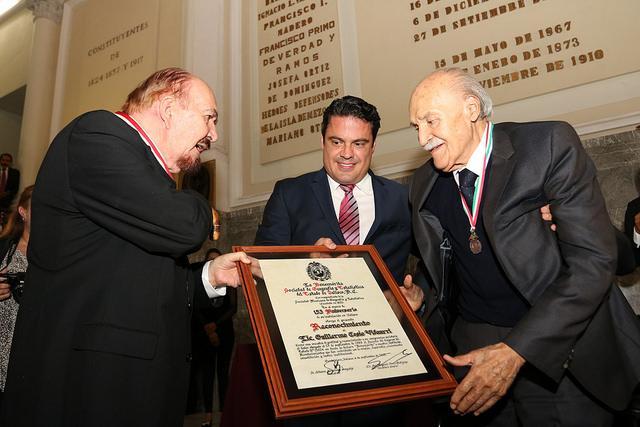 Homenajean al exgobernador Guillermo Cosío Vidaurri