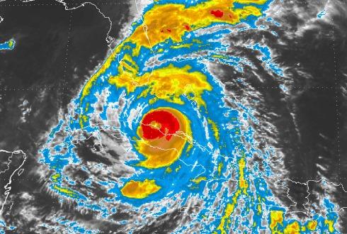 Huracán Irma inclina su trayectoria al oeste