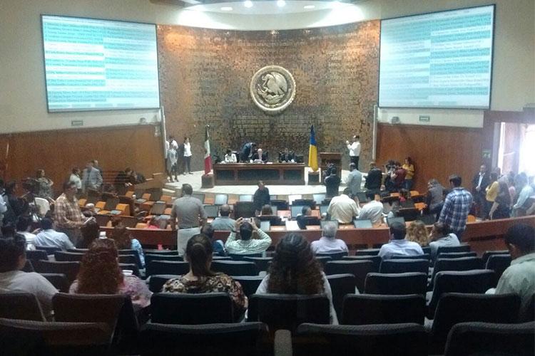 Miguel Monraz denuncia ilegalidad en el trabajo legislativo