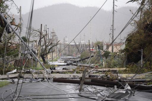 R.Dominicana eleva alerta y ordena evacuaciones ante avance de huracán María