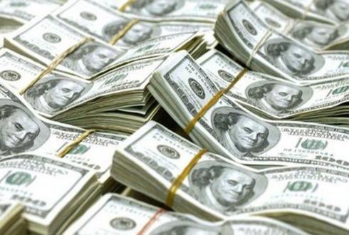 El dólar en bancos sube a 18.55 pesos a la venta