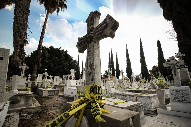 Día de Muertos: Recorridos nocturnos en panteones