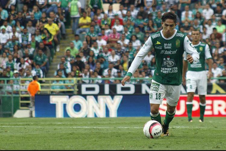 Matías Almeyda aprueba posible llegada de Chuy Corona a Chivas