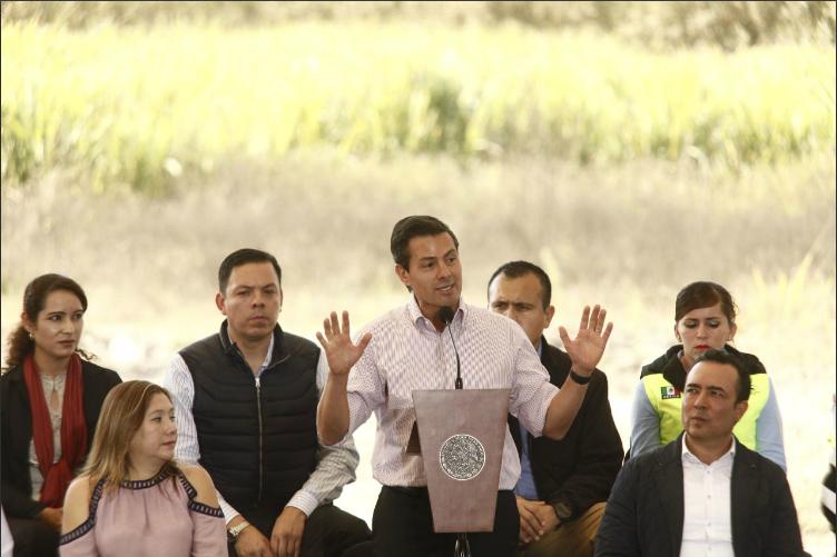 Peña Nieto destaca inversión histórica en comunicaciones y transportes