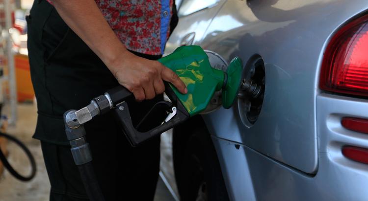 Aumento a la gasolina en 2018 será de 40 centavos por litro