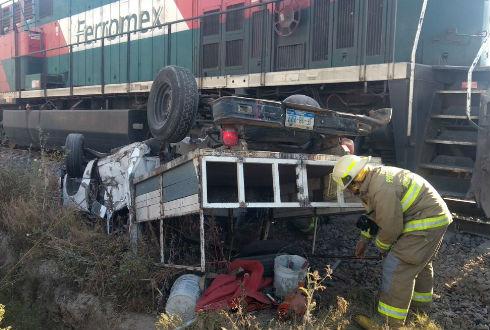 Uno más, choque de vehículo con tren en Jalisco