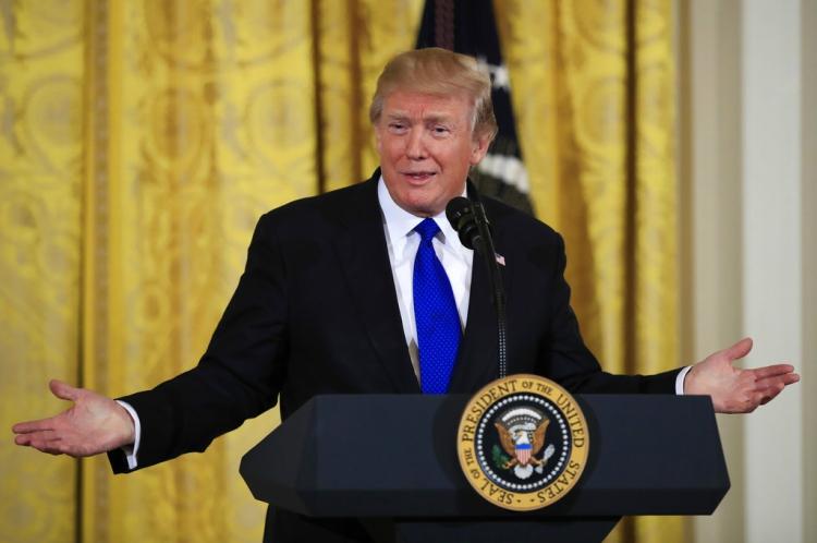 Trump advierte a oposición
