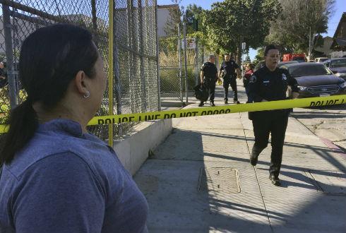 Dos víctimas en tiroteo en escuela de Los Ángeles