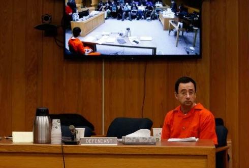 Nassar sentenciado de 40 a 125 años de prisión