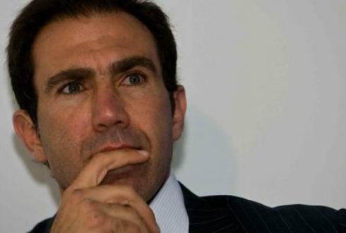 Matías Almeyda se resigna a tener un director deportivo