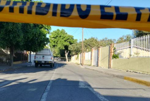 Encuentran dos cadáveres en el exterior de una primaria de Guadalajara