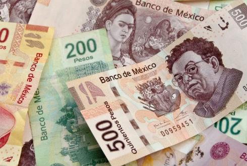 Miguel Riquelme y 16 gobernadores más superan sueldo propuesto por AMLO