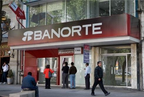 El banco mexicano Banorte despide a 500 empleados del Grupo Financiero Interacciones