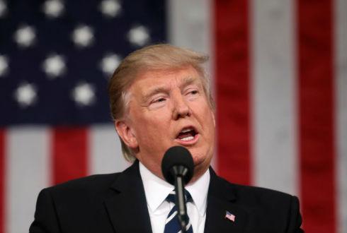 Trump amenaza con cerrar el Gobierno si no votan sus leyes