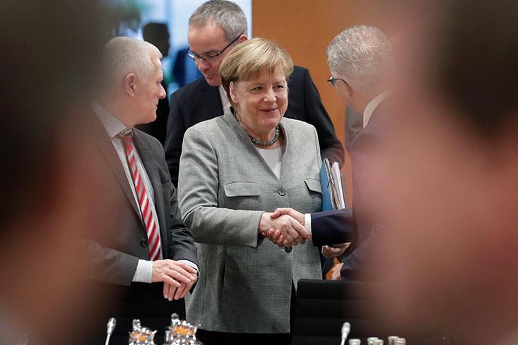 Merkel lidera un año más la lista
