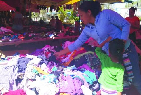 Resultado de imagen para mercado mezquitan ropa