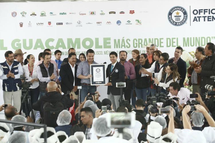 México rompe récord con el guacamole más grande del mundo