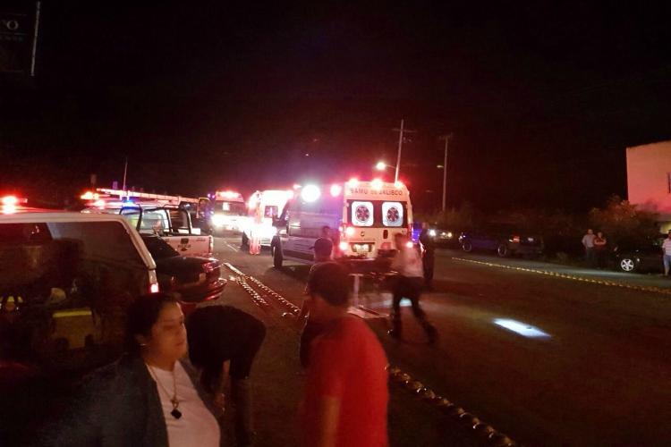 Por volcadura de autobús, mueren 15 peregrinos
